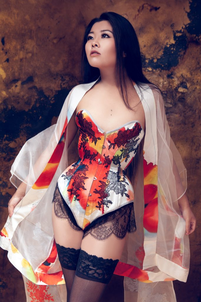 Tokeiso Overbust Kimono Silk Corset by Karolina Laskowska. Modelled by Twig, photography by InaGlo Photography